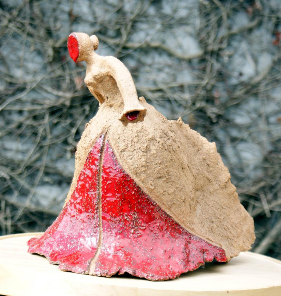 danseuse terre et rouge 2