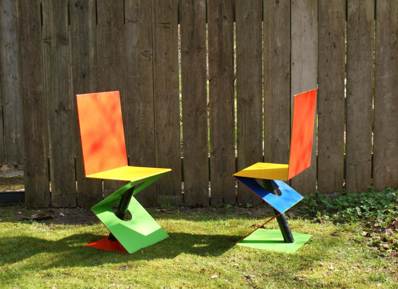 Mobilier de jardin for Chaises colorees